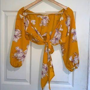 🧡🌺 Forever 21 Yellow Hibiscus Tie Front Crop Top
